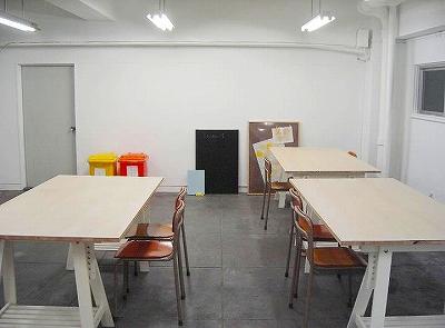 スタジオ4ツバメ部屋フリーアドレスのアトリエかつワークショップもやります